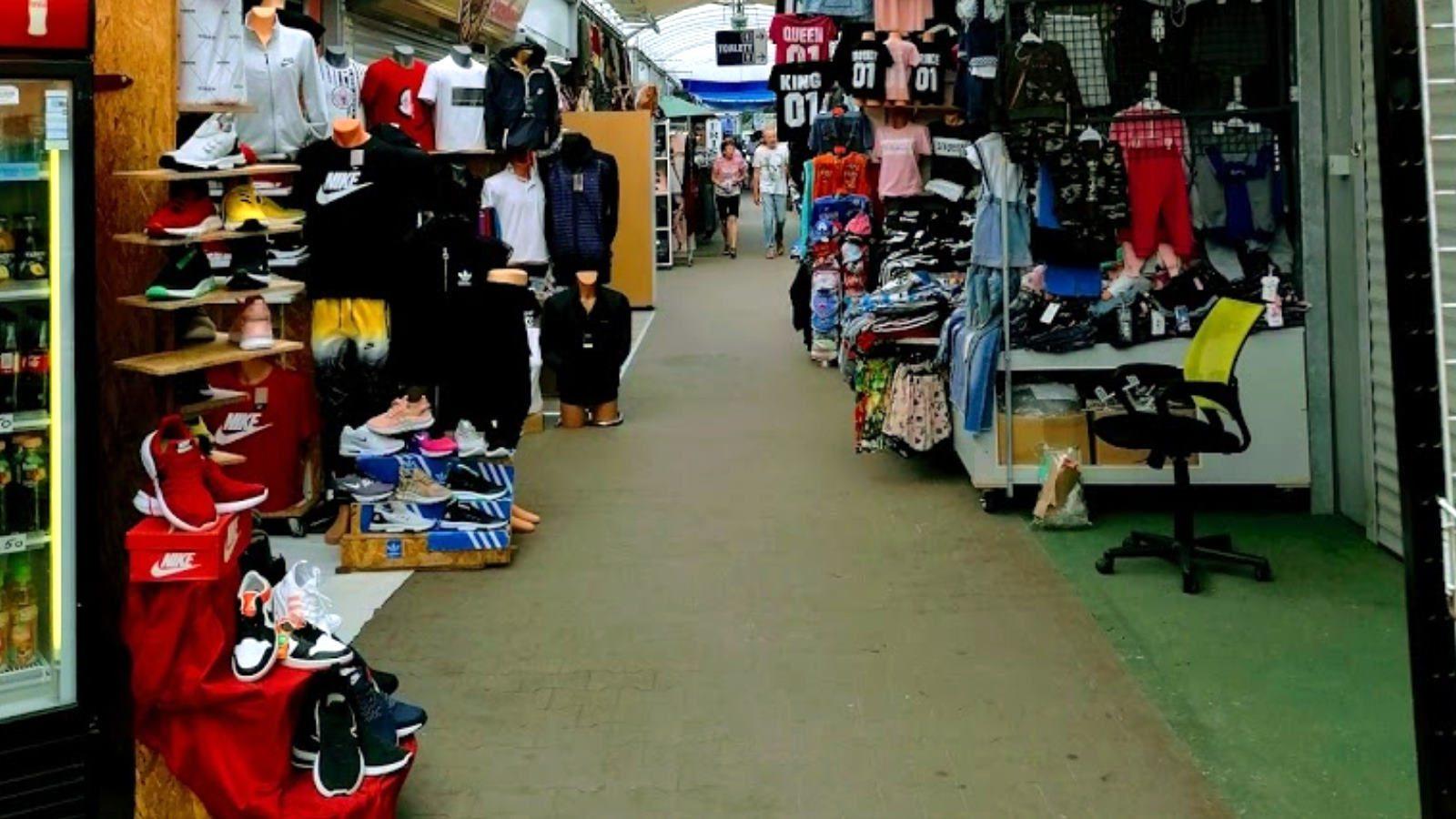 Polenmarkt Slubice an Grenze zu Polen bei Frankfurt Oder
